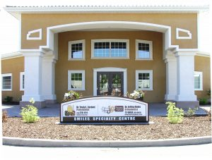 brandon-dental-office-outside